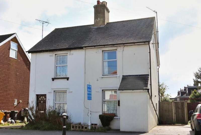 3 Bedrooms Semi Detached House for sale in Hailsham BN27