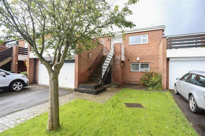 2 Bedrooms Flat for sale in Colchester Place, Heaton Norris