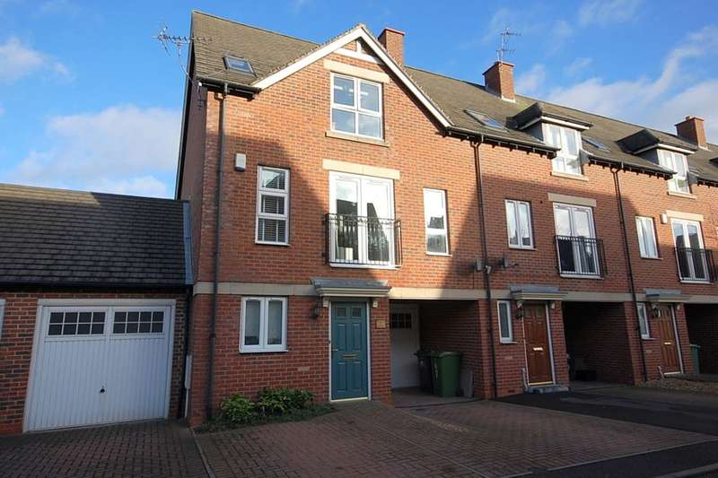 4 Bedrooms Property for sale in Hillcrest, Belper, DE56