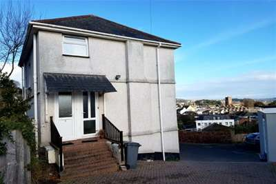 2 Bedrooms Flat for rent in Primley Park East, Paignton