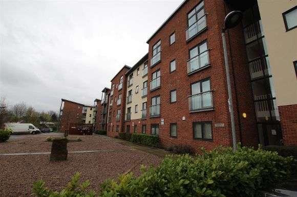 2 Bedrooms Flat for rent in 27 Bridgefield Court, Bridge Road, Prescot