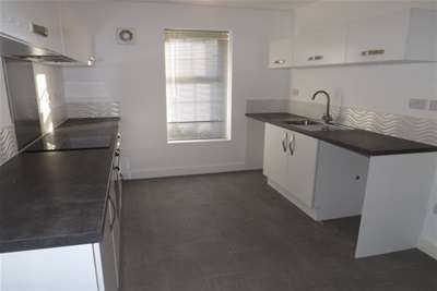 4 Bedrooms House for rent in Comelybank Drive, Mexborough