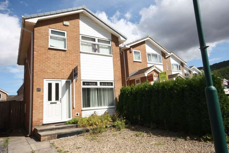 3 Bedrooms Detached House for sale in Brocklesby Road, Guisborough, TS14