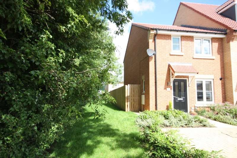 3 Bedrooms Semi Detached House for sale in Dunnock Close, Guisborough, TS14