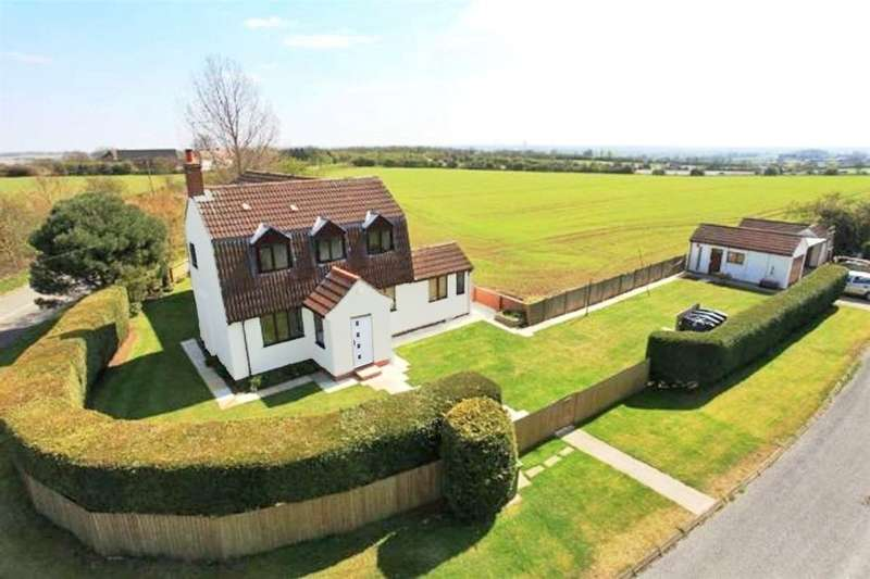 4 Bedrooms Detached House for sale in Montilo Lane, Harborough Magna, Rugby