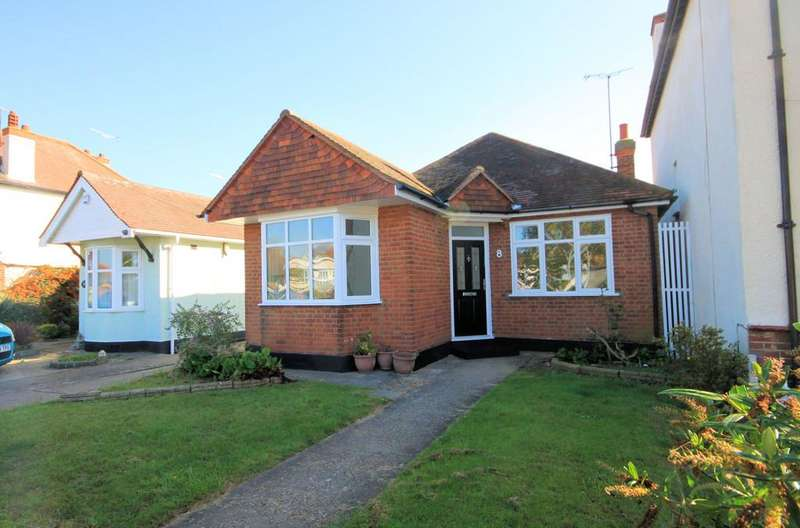 3 Bedrooms Detached Bungalow for sale in Thorpedene Gardens, Shoeburyness