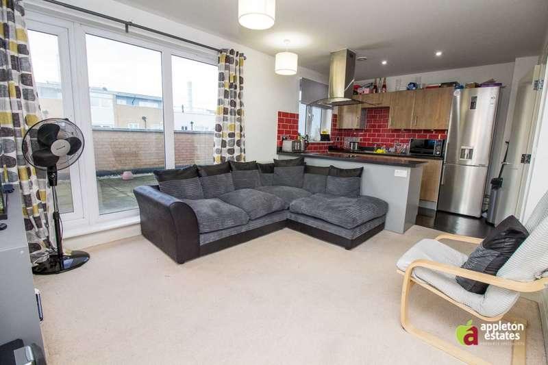 2 Bedrooms Flat for sale in Whitestone Way, Croydon