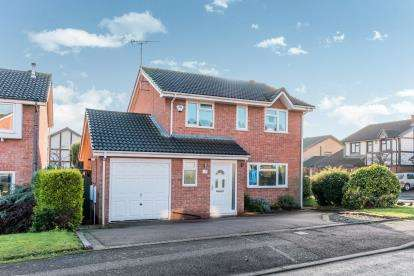 4 Bedrooms Detached House for sale in Henley Close, Tamworth, Staffordshire