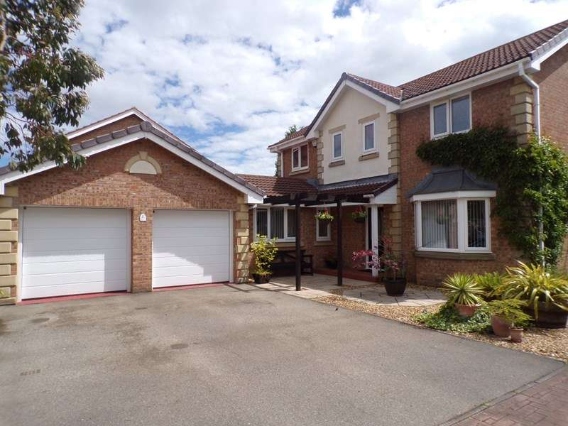 4 Bedrooms Property for sale in Bradwell Way, Philadelphia, Houghton Le Spring, Tyne & Wear, DH4 4XA