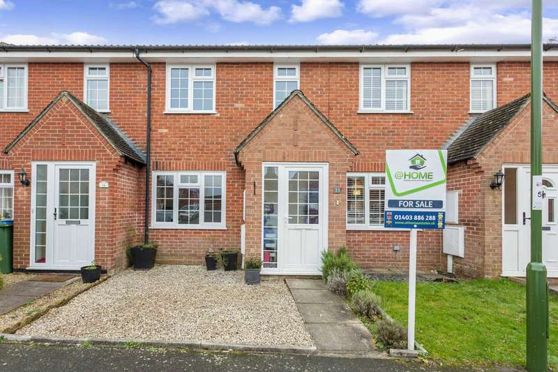 3 Bedrooms Terraced House for sale in Fenhurst Close, Horsham