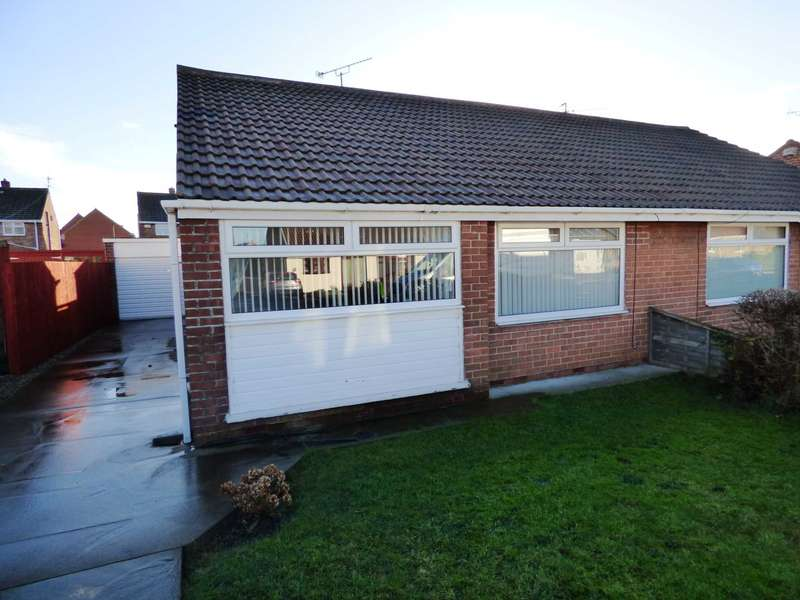 2 Bedrooms Semi Detached Bungalow for sale in Pentland Avenue, Redcar
