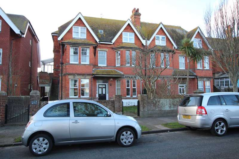 3 Bedrooms Flat for sale in Milnthorpe Road, Eastbourne, BN20 7NS