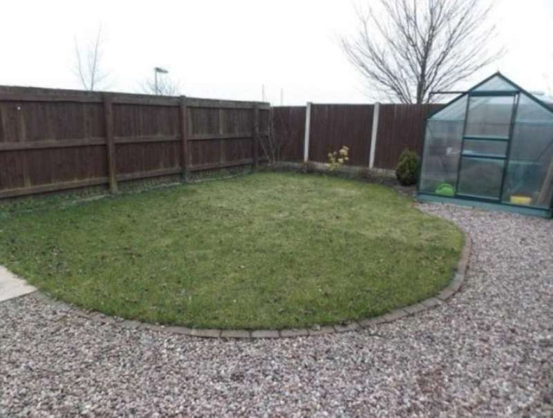2 Bedrooms Semi Detached House for rent in Lowerbrook Close, Horwich
