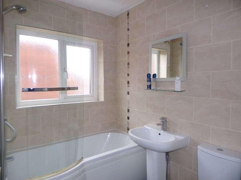3 Bedrooms Property for sale in Millbank Terrace, Bedlington, Northumberland, NE22 5BY