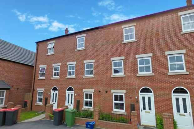 4 Bedrooms Terraced House for sale in The Nettlefolds, Telford, Shropshire, TF1 5PF