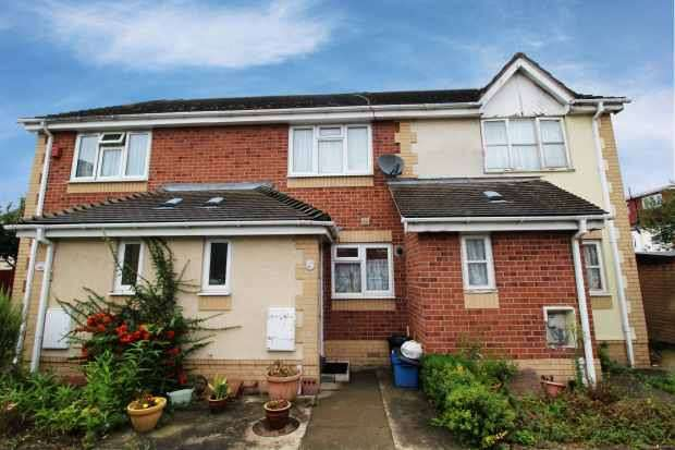 2 Bedrooms Terraced House for sale in Overton Drive, Romford, Essex, RM6 4EN