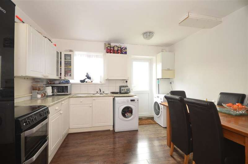 3 Bedrooms Terraced House for sale in Brooks Avenue, , East Ham