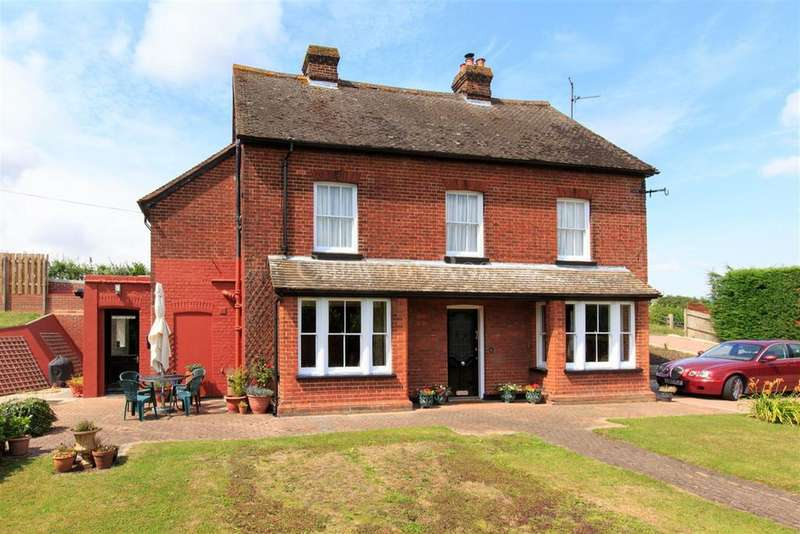 4 Bedrooms Detached House for sale in Halstead