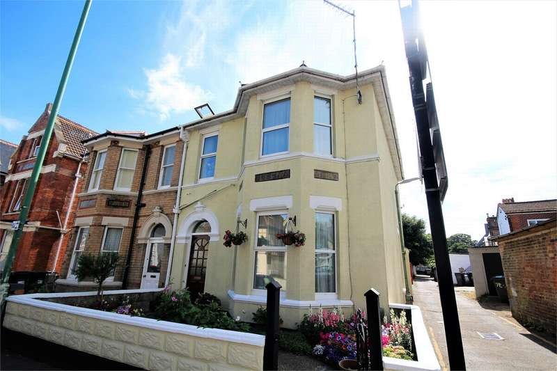 4 Bedrooms Semi Detached House for sale in Parkwood Road, Bournemouth, Dorset
