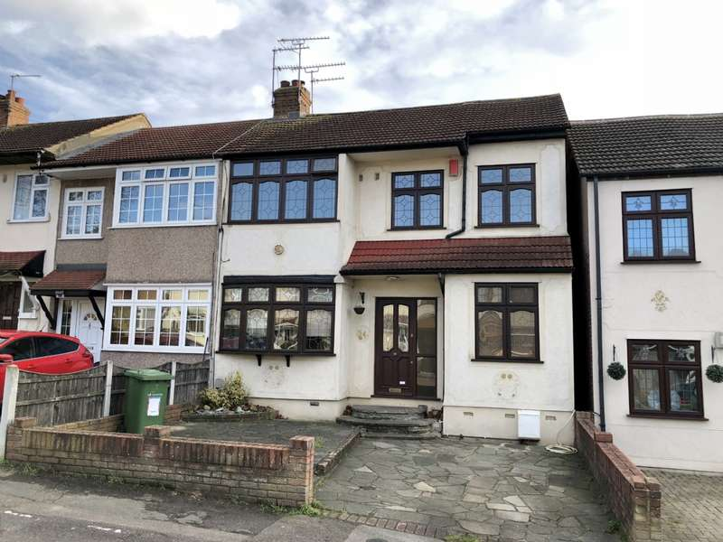 4 Bedrooms End Of Terrace House for rent in MacDonald Avenue, Hornchurch