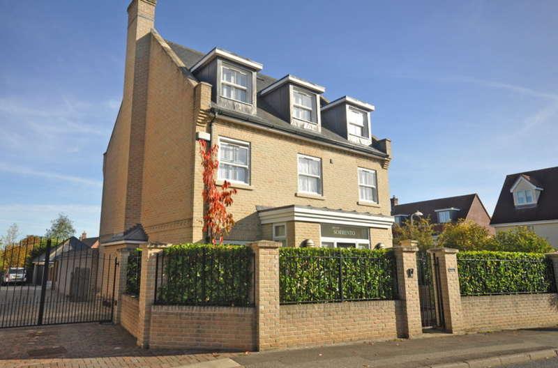 6 Bedrooms Detached House for sale in Queenborough Lane, Great Notley, Braintree, CM77
