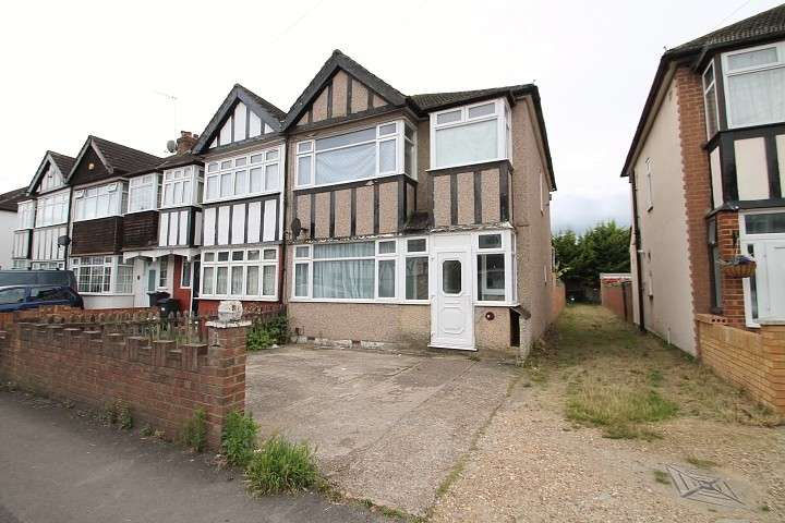 3 Bedrooms End Of Terrace House for rent in Shelson Avenue, Feltham, TW13