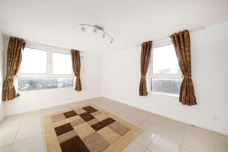 2 Bedrooms Flat for sale in Pierre Point, Ross Road, South Norwood, London, SE25 6SD
