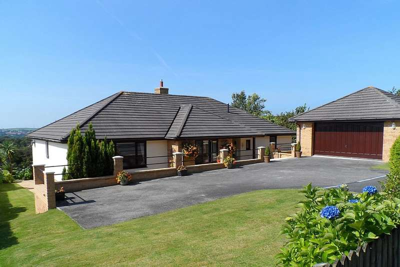 3 Bedrooms Detached Bungalow for sale in 15, Bowood Park, Lanteglos, Cornwall, PL32 9LA