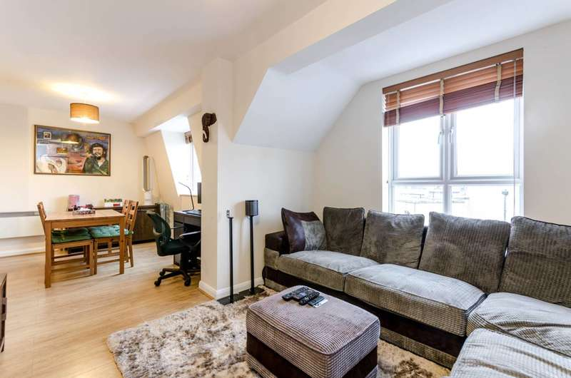2 Bedrooms Flat for sale in Coopers Court, Acton, W3
