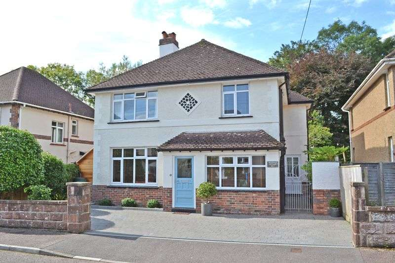 3 Bedrooms Property for sale in Meadway, Sidmouth