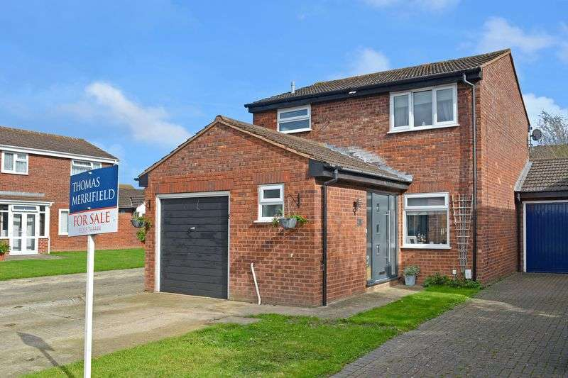 3 Bedrooms Property for sale in Hunters Close, Grove, Wantage