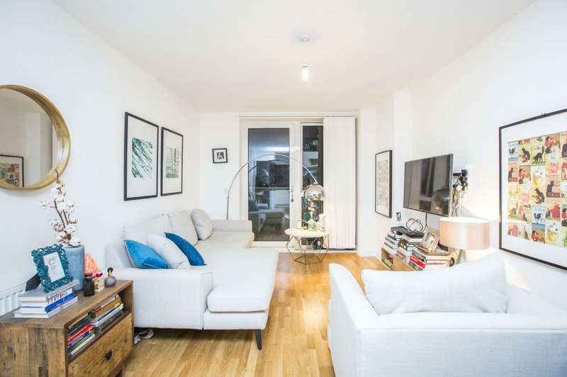 1 Bedroom Flat for sale in Butterfly Court, London, N15