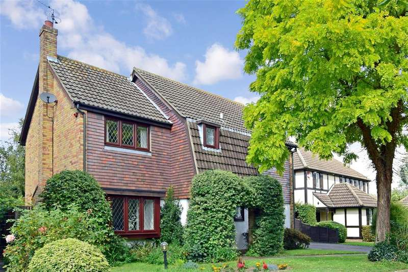 4 Bedrooms Detached House for sale in Admirals Close, , South Woodford