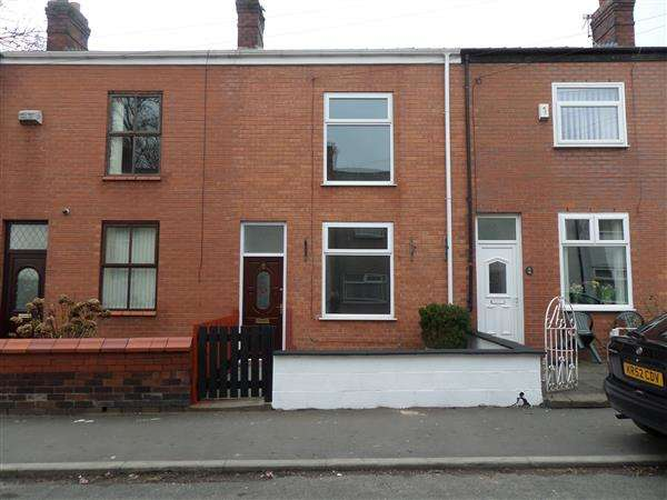 2 Bedrooms Terraced House for rent in Isherwood Street, Leigh
