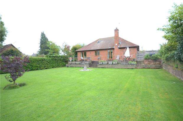 4 Bedrooms Detached Bungalow for sale in Terrace Road North, Binfield