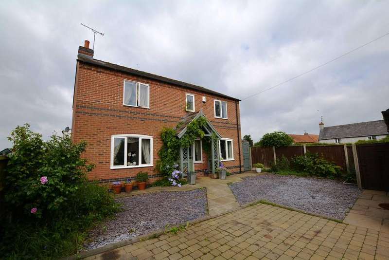 3 Bedrooms Detached House for sale in Great North Road, Cromwell