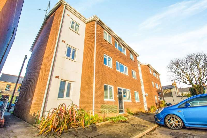 1 Bedroom Ground Flat for sale in Conybeare Road, Cardiff