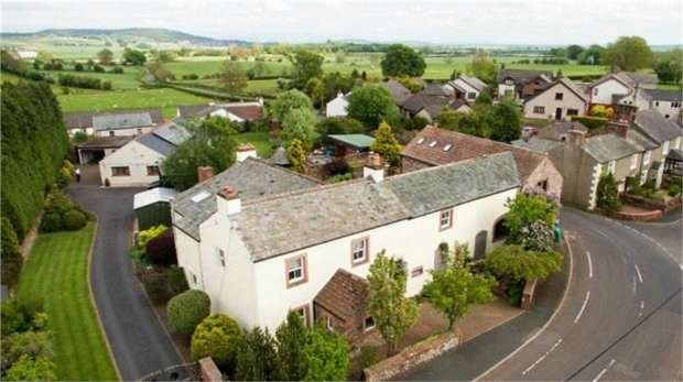 4 Bedrooms Detached House for sale in Newton Reigny, Newton Reigny, Penrith, Cumbria