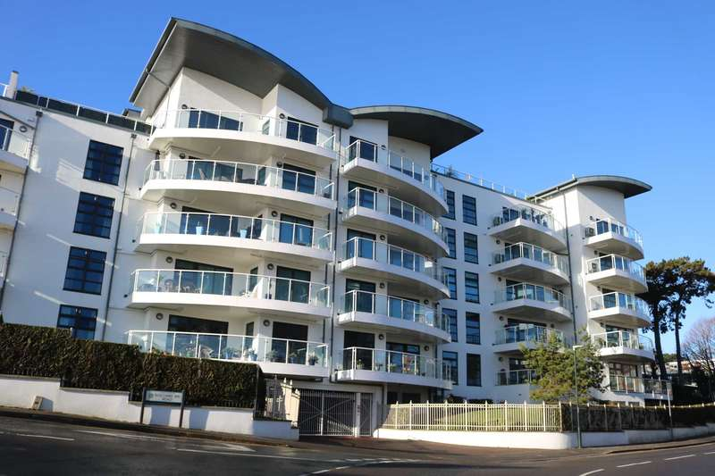 2 Bedrooms Apartment Flat for sale in BH5 Boscombe Spa Village, Bournemouth
