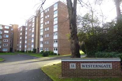 3 Bedrooms Flat for rent in Branksome Park