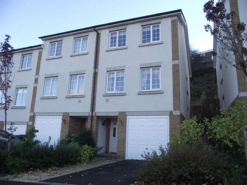 3 Bedrooms Semi Detached House for rent in Enbrook Valley, Folkestone, CT20