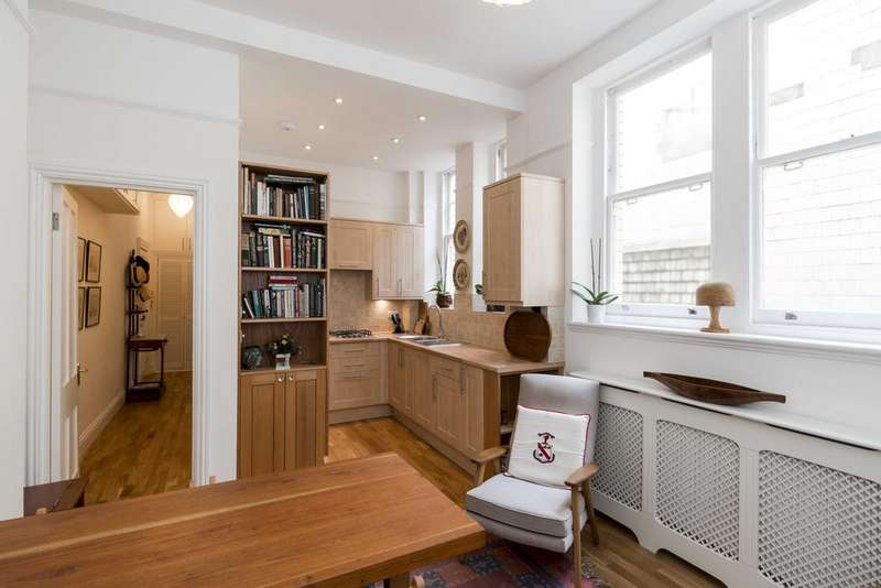2 Bedrooms Ground Flat for sale in Tite Street, London. SW3