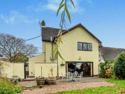 3 Bedrooms Detached House for sale in Commonside, Selston, Nottingham