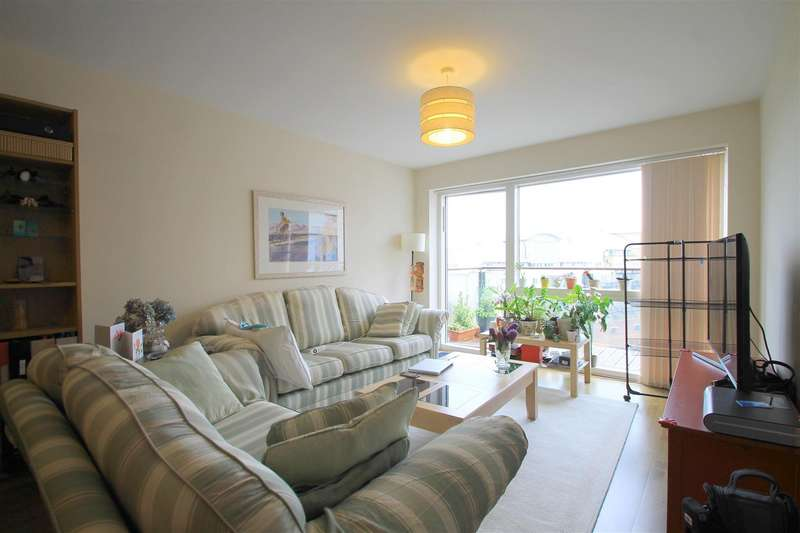 2 Bedrooms Apartment Flat for sale in Celestia, Falcon Drive, Cardiff Bay