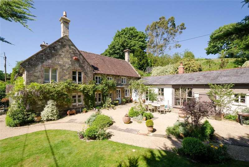5 Bedrooms House for sale in Hindon Road, East Knoyle, Salisbury, SP3