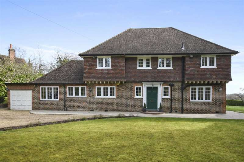 4 Bedrooms Detached House for rent in Pinner Hill, Pinner, Middlesex, HA5