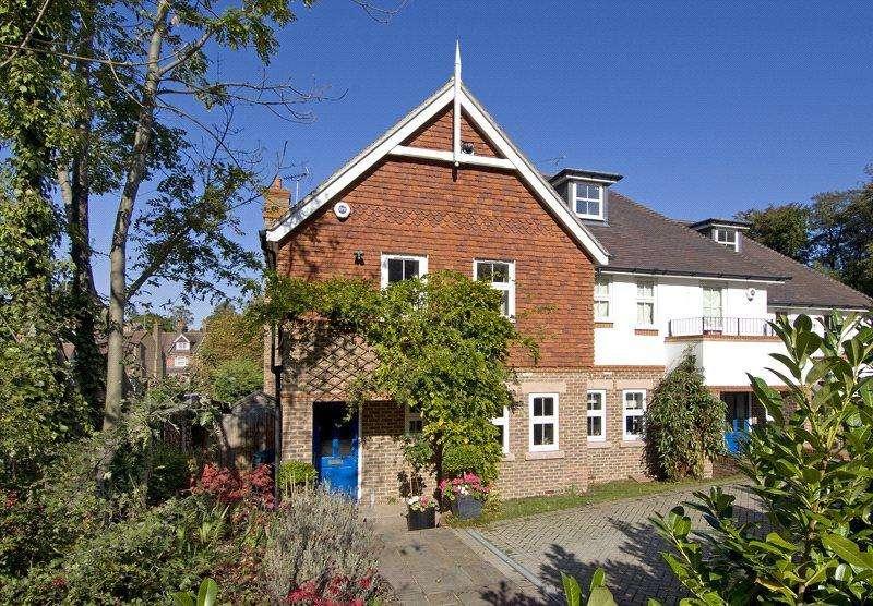 4 Bedrooms End Of Terrace House for rent in St. Botolphs Road, Sevenoaks, Kent, TN13