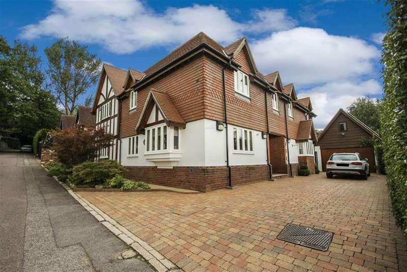 5 Bedrooms Detached House for sale in Hedgerow Lane, Arkley, Hertfordshire