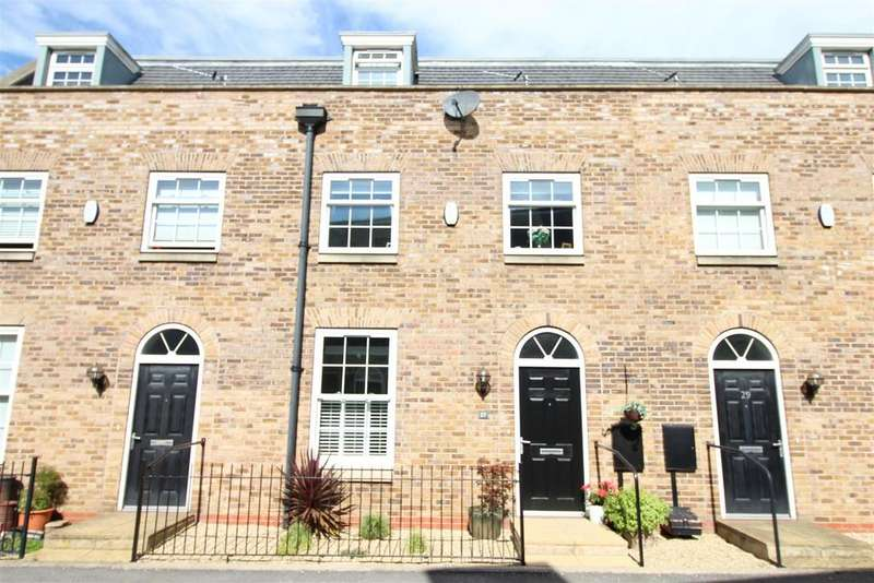 4 Bedrooms Mews House for sale in Peterson Drive, New Waltham, Grimsby