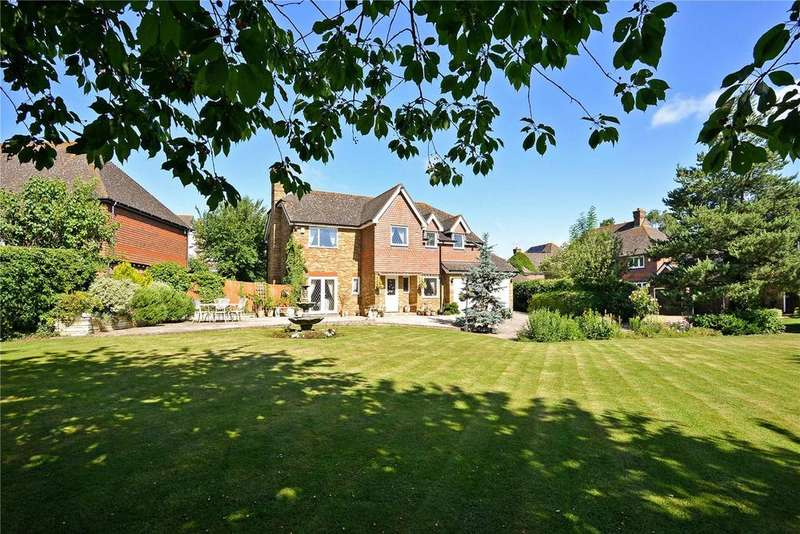 5 Bedrooms Detached House for sale in Hotham Close, Swanley Village, Kent, BR8